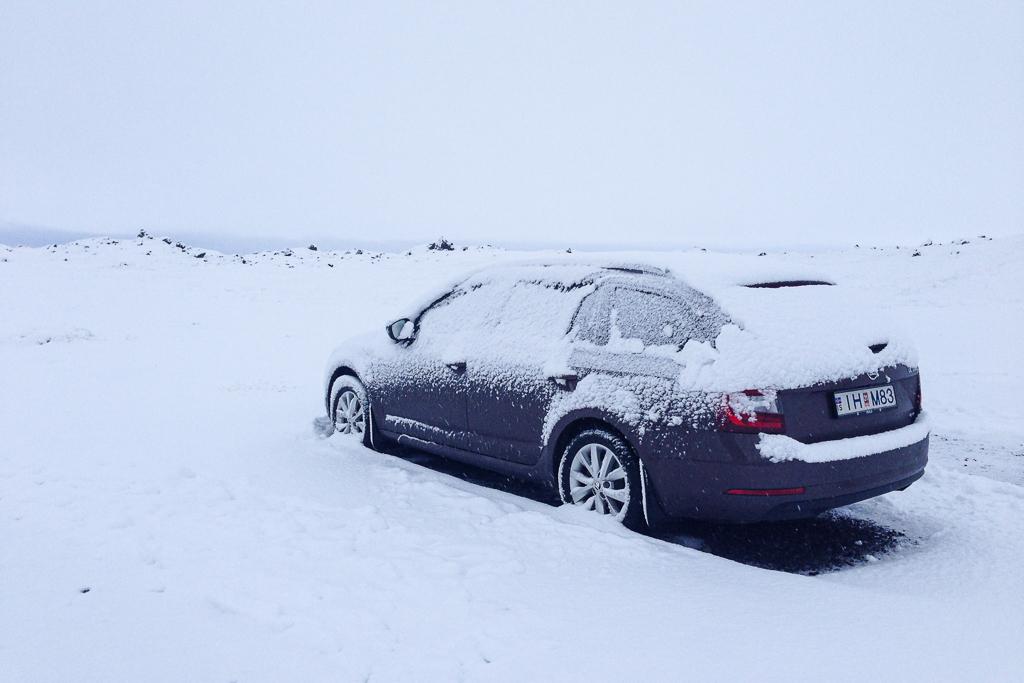 De wegen zijn soms spekglad door sneeuw en ijs.