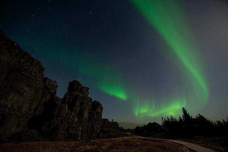 Groen noorderlicht boven Thingvellir, IJsland. Fotograaf: Toine Westen.